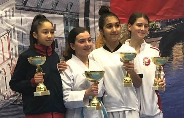 Karateçi qızlarımız beynəlxalq turnirdə iki medal qazandılar - FOTO