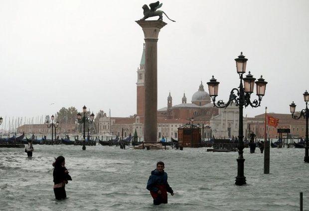 Dünyanın ən romantik şəhərlərindən biri su altında qaldı - VİDEO
