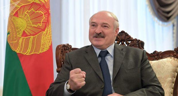 """Lukaşenko """"dözmək"""" qərarına gəldi: Avropaya """"yox"""" dedi"""