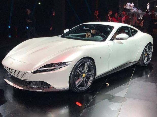 """""""Ferrari Roma"""": yeni quruluş ilə tarixi dizaynın kəsişməsində - FOTO"""