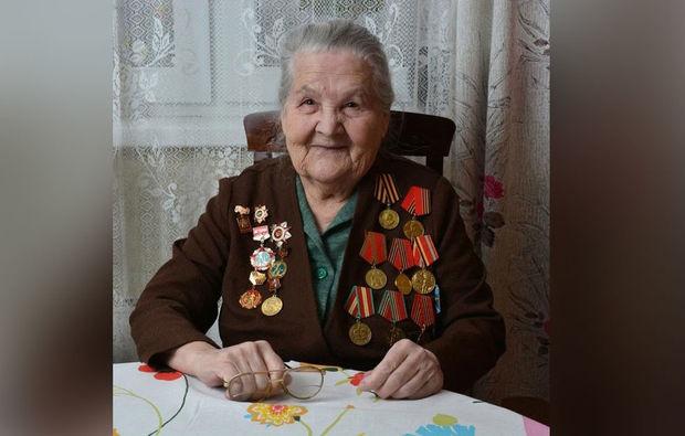 """97 yaşlı Böyük Vətən Müharibəsi veteranı """"İnstagram""""da bloq açdı"""