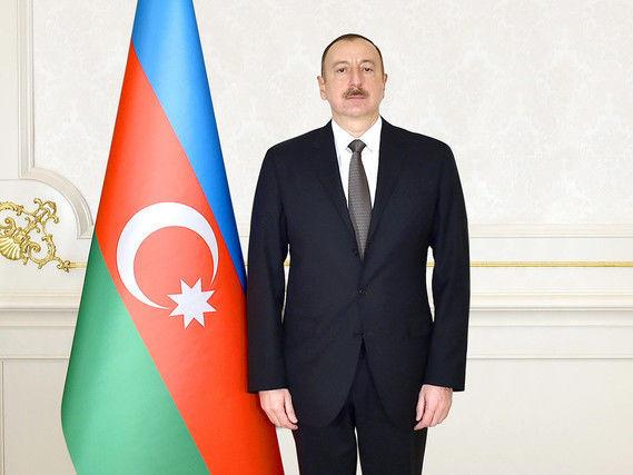 """Bu şəxslər """"Azərbaycan Respublikası Prezidentinin fəxri diplomu"""" ilə təltif edildi - SƏRƏNCAM"""