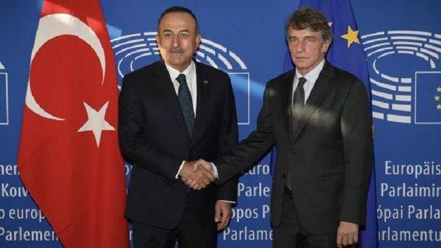 Çavuşoğlu Avropa Parlamentinin rəhbəri ilə görüşündən sonra onu ikiüzlülükdə ittiham etdi