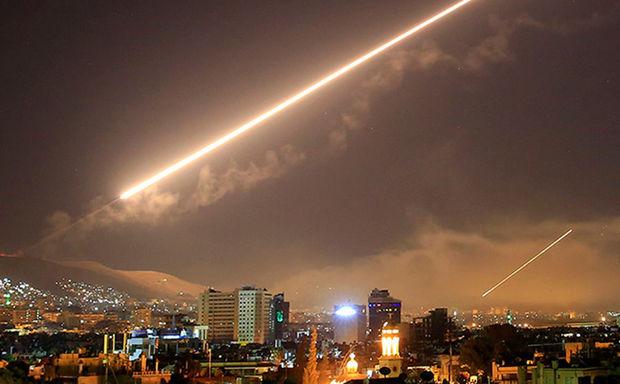 İran ABŞ hərbi bazasını raket atəşinə tutub