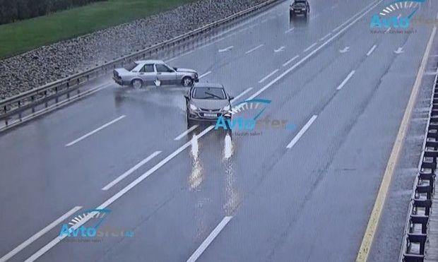Yağışlı havada Bakıda baş verən ağır qəzalar - ANBAAN VİDEO