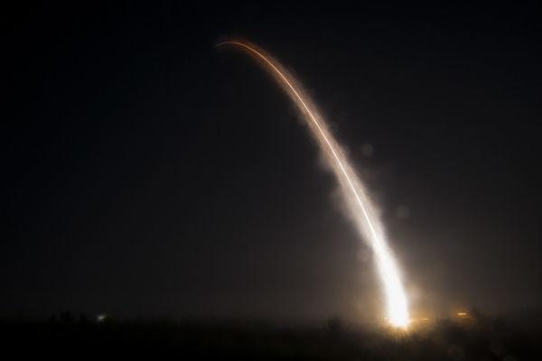 ABŞ müqavilə ilə qadağan olunmuş ballistik raketi sınaqdan keçirdi