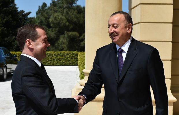 Medvedev İlham Əliyevə məktub göndərdi