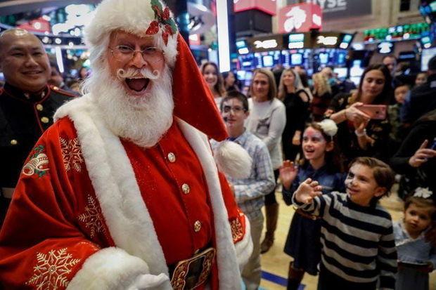 Santa Klaus 7,5 milyard hədiyyə paylayaraq evinə qayıtdı – VİDEO