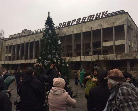 Çernobılda qəzadan sonra ilk dəfə Yeni il yolkası quruldu – FOTO