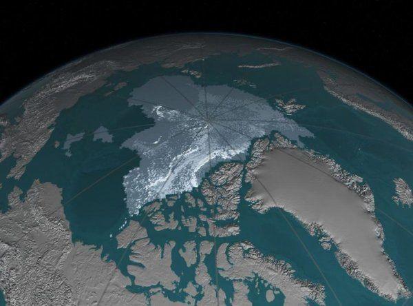 Yer kürəsi formasını dəyişir: Şimal qütbü Rusiyaya yaxınlaşır