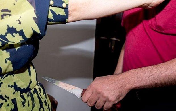 Bakıda ər arvadını bıçaqladı