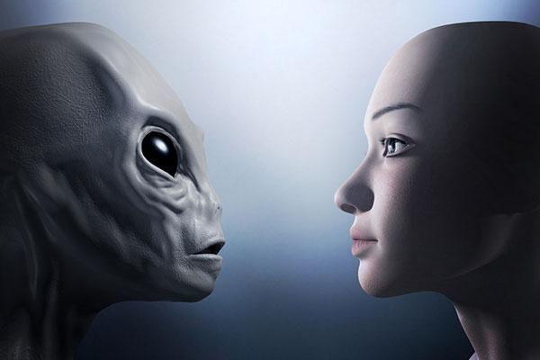 Britaniyalı qadın-kosmonavt yadplanetlilərin varlığı haqda açıqlama verdi