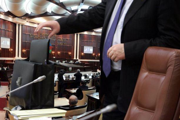 """Deputatlıq iddiasında olanlara bu tarixdə """"stop"""" qoyulacaq"""