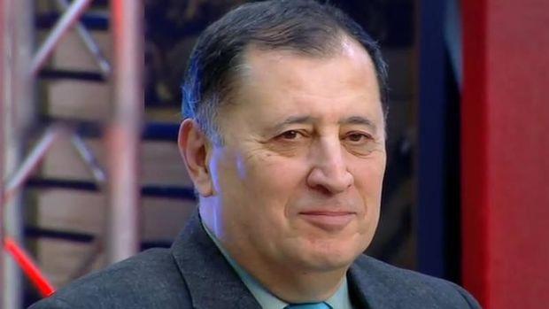 Prezident Baba Vəziroğlunu təltif etdi
