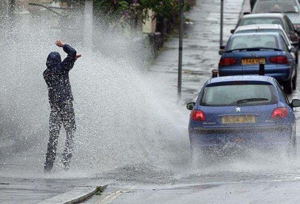 Yol Polisindən yağışlı hava ilə bağlı sürücülərə MÜRACİƏT