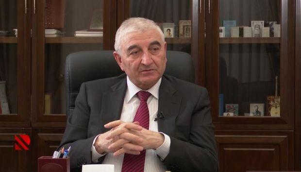 """Məzahir Pənahov: """"Hərəsi bir telefonu əlinə alıb, komissiya üzvlərini yoxlayır"""""""