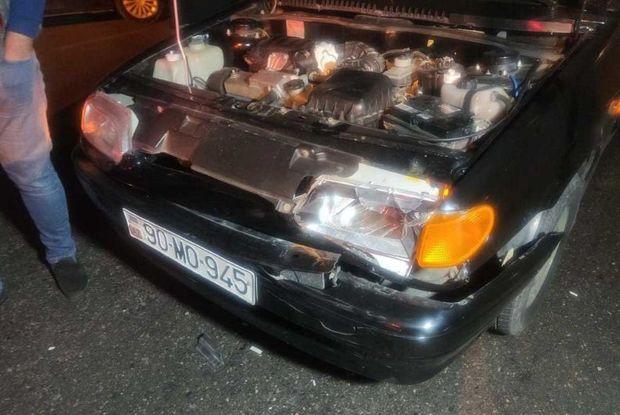 Babək prospektində iki avtomobilin toqquşması tıxaca səbəb oldu - FOTO
